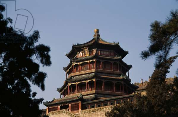 Tower of Fragrance of Buddha or Tower of Buddhist Incense (Foxiang Ge), Summer palace (Unesco World Heritage List, 1998), Beijing, China, 18th-19th century (photo)