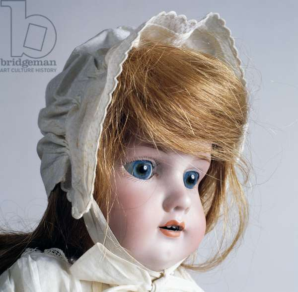 Doll No 370 with blue eyes and hat, made by Armand Marseille, ca 1900, Germany, 20th century, detail