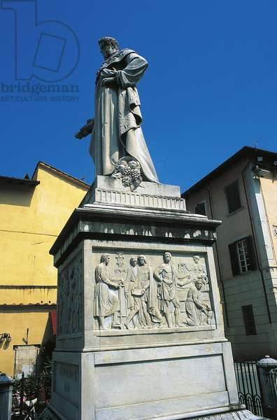 Monument to the Grand Duke of Tuscany, Leopold II of Lorraine, work of local sculptor Vincenzo Santini (1807-1876), Pietrasanta, Tuscany, Italy