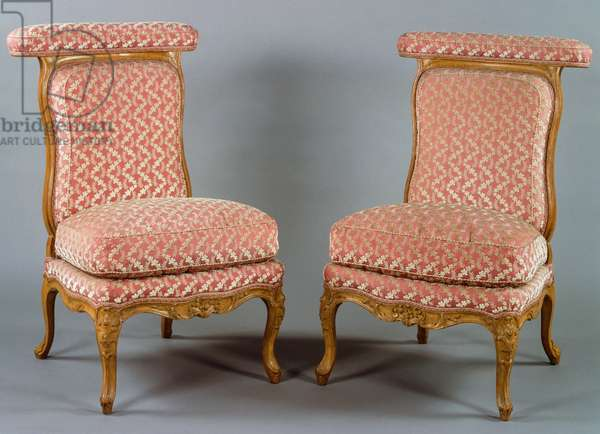 Pair of Louis XV style ponteuse chairs, France, 18th century