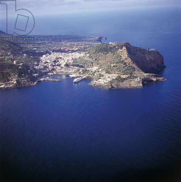 Aerial view of an island in the sea, Ustica island, Sicily, Italy (photo)