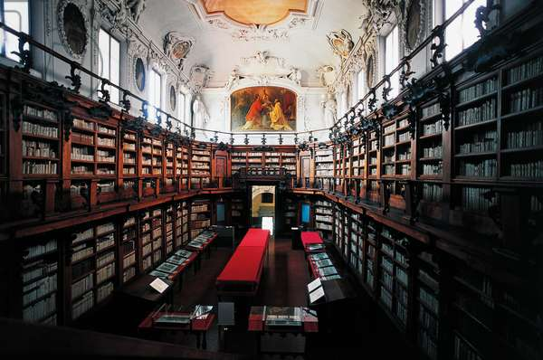The library of Classense Library, built by Abbot Pietro Canneti (1659-1730), Ravenna, Emilia-Romagna, Italy