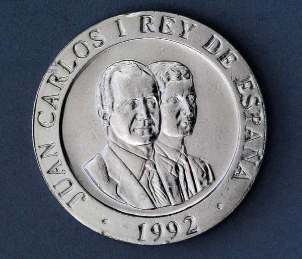 200 pesetas coin, 1992, obverse, Juan Carlos I (1938-) and his son Felipe VI (1968-), Spain, 20th century