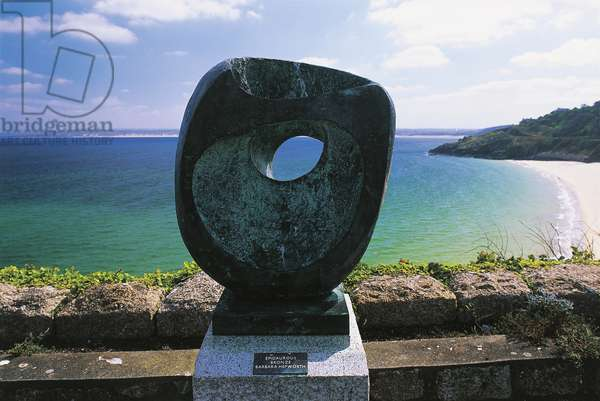 Epidaurous by Barbara Hepworth, Saint Ives (photo)