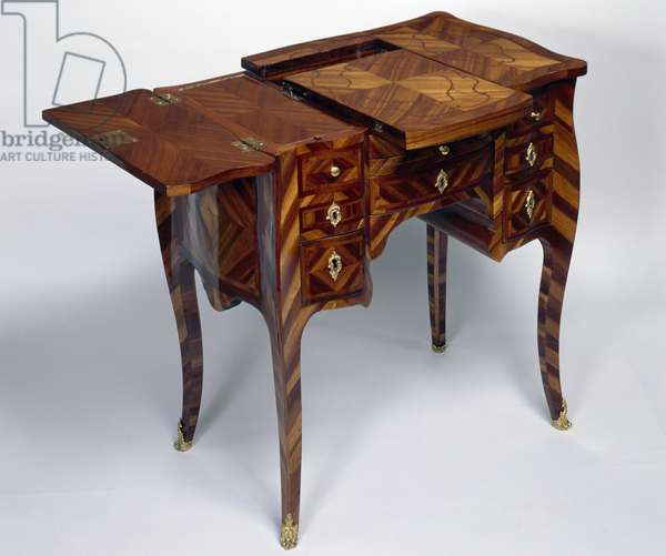 Louis XV style oak dressing table with satinwood veneer finish, triple panel top, stamped M Crieard, left leaf and open central section, France, late 18th century