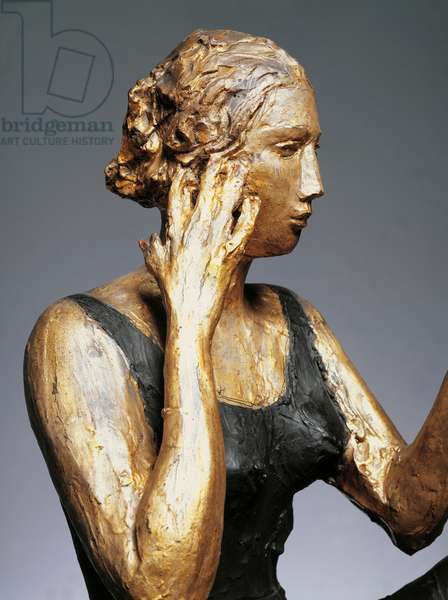 Seated woman or Woman with mirror, 1934, sculpture by Lucio Fontana (1899-1968), coloured bronze, 84x103x83 cm. 20th century, Italy. Detail.