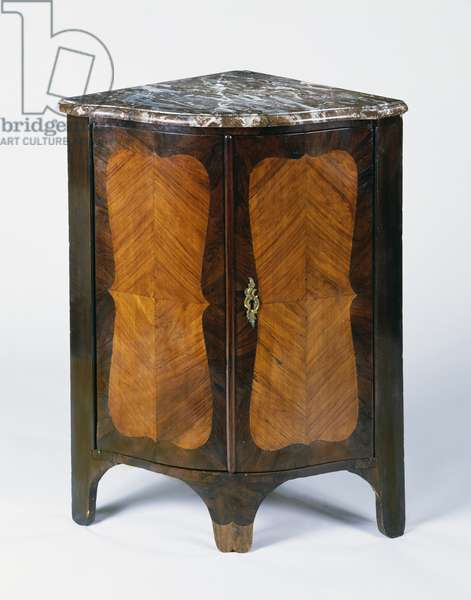 Louis XV style corner cupboard with tulipwood veneer finish and mottled marble top, 1750, France, 18th century