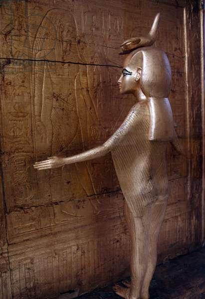 Statue of Selkis or Serket protecting canopic chest or shrine, Treasury of Tutankhamun, 1333-1323 BC, Egypt, Egyptian civilization, New Kingdom, Dynasty XVIII
