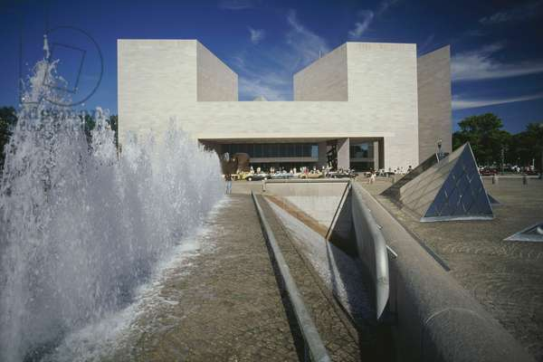 East building, 1987, by Ieoh Ming Pei, National Gallery of Art, Washington DC, United States of America (photo)