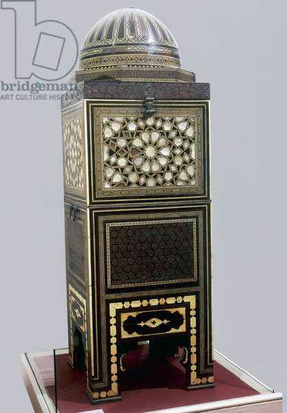 Wood and mother of pearl Quran box, which belonged to Sultan Selim II (1524-1574), Ottoman civilization, 16th century