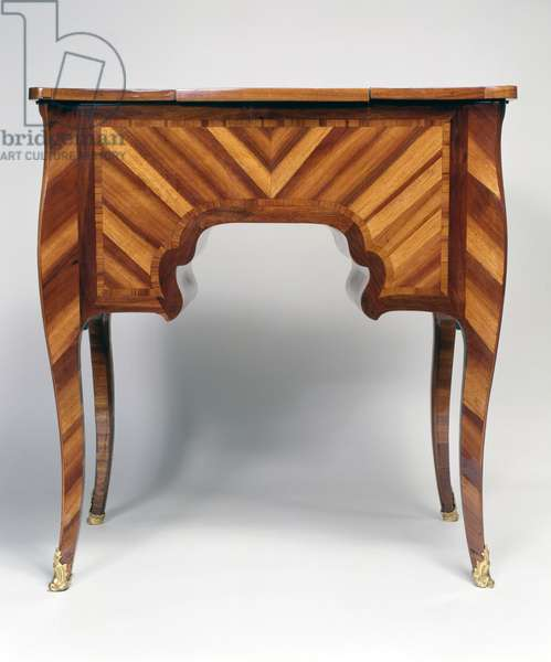 Herringbone design on back, Louis XV style oak dressing table with bloodwood veneer, stamped, ca 1750, by Mathieu Criaerd (1689-1776), France, 18th century
