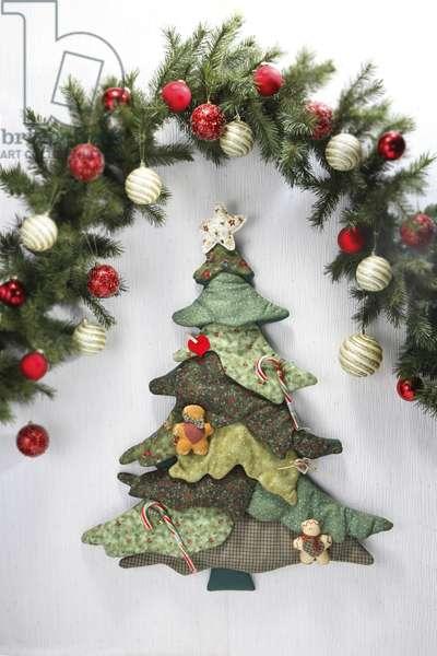 Women's work - patchwork Christmas tree (photo)