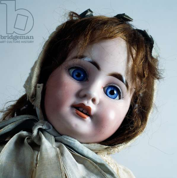 Doll with blue eyes and bisque head made by Armand Marseille, ca 1894, Germany, detail