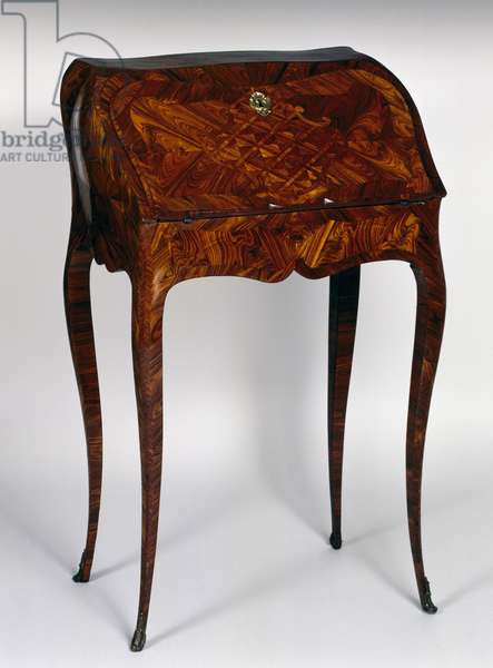 Small Louis XV style bureau to dos d'ane (slant front writing desk) with kingwood veneer finish, stamped Jacques Dubois, after 1742, France, 18th century