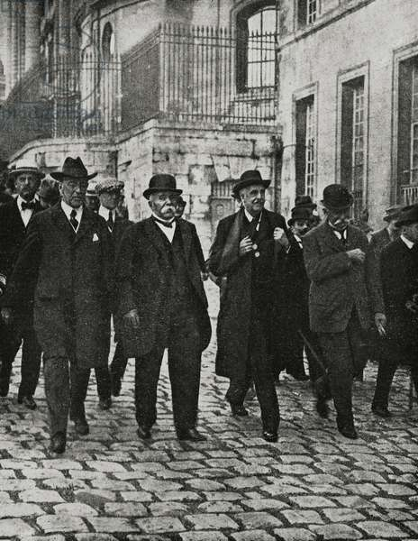 Thomas Woodrow Wilson (1856-1924), Georges Benjamin Clemenceau (1841-1929), Arthur James Balfour (1848-1930) and Sidney Sonnino (1847-1922) in Versailles to sign peace treaty with Germany, June 28 1919