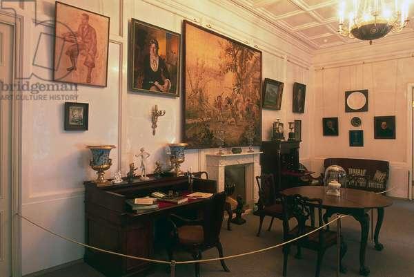 Room in museum dedicated to poetess Anna Akhmatova Andreevna, Sheremetev Palace, St Petersburg (UNESCO World Heritage List, 1990), Russia