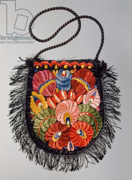 Bag with polychrome silk embroidery on satin base, and fringed contour, 1925-1930, fashion accessories, Italy, 20th century