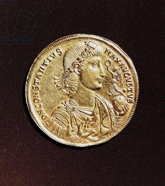 Gold medal of Constantius II (317-361), obverse, Roman civilization, 4th century