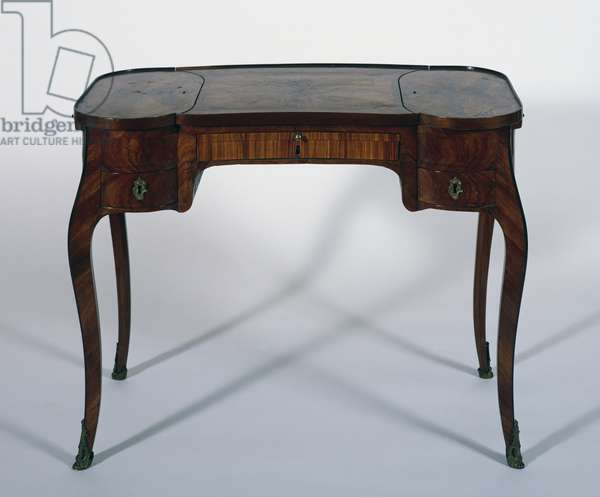 Louis XV style table with Madagascar rosewood and satinwood veneer finish, by Adrien Delorme (1722-1791), France, 18th century