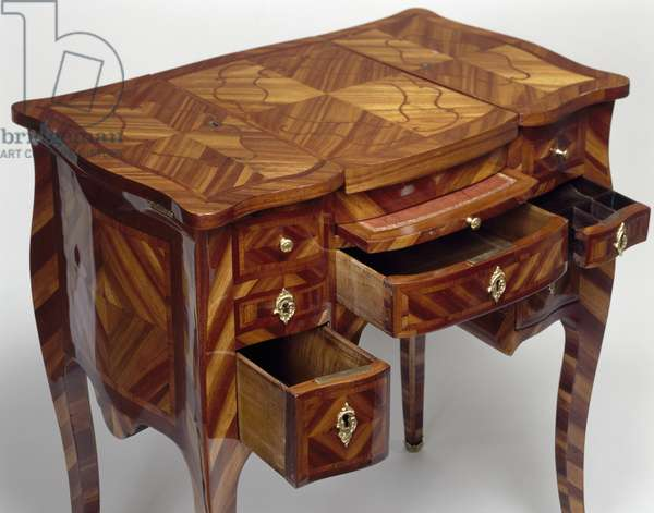 Louis XV style oak dressing table with satinwood veneer finish, triple panel top, stamped M Crieard, drawers open, France, 18th century