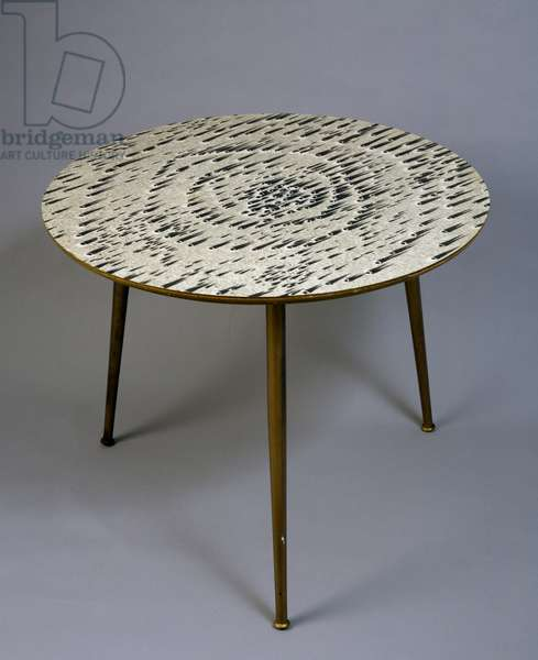 Small table with metal frame and round table top, 1952-1955, by Lucio Fontana (1899-1968), produced by Steffenino Art. Italy, 20th century.