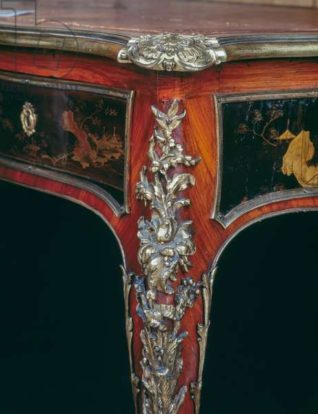 Louis XV style writing table (bureau plat), France, 18th century, detail