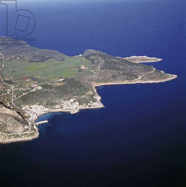 Aerial view of islands in the sea, Levanzo Island, Egadi Islands, Sicily, Italy (photo)