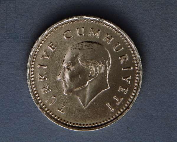 2500 lira coin, 1991, Obverse, Portrait of Mustafa Kemal Ataturk (1881-1938), Turkey, 20th century
