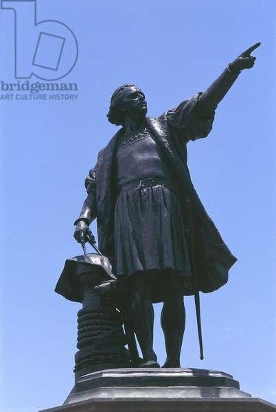 Dominican Republic, Colonial city of Santo Domingo, statue of Christopher Columbus