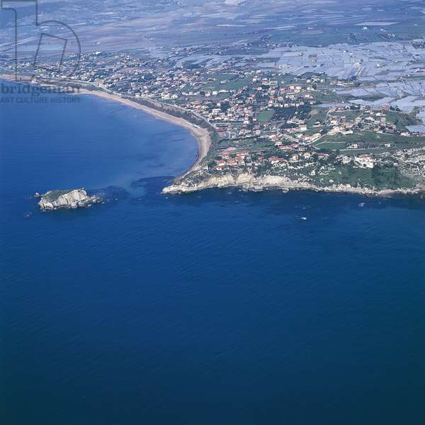 Aerial view of buildings on an island, Rocca San Nicola, Sicily, Italy (photo)