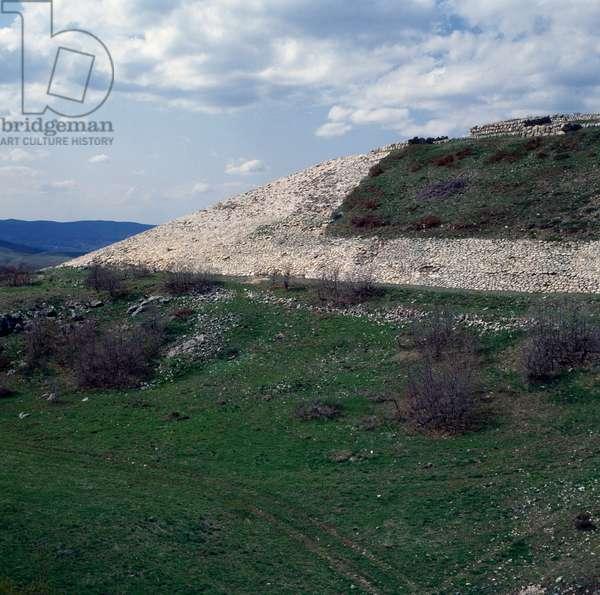 View of fortifications in Hattusa (Bogazkoy), capital of Hittite empire (Unesco World Heritage List, 1986), Bogazkale, Turkey, Hittite civilization, 2nd millennium BC