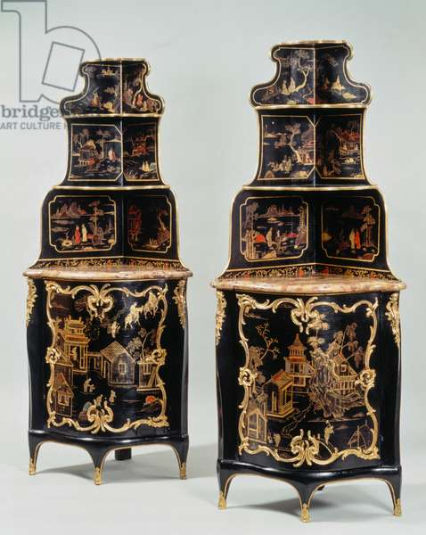 Pair of Louis XV style corner cupboards, France, 18th century