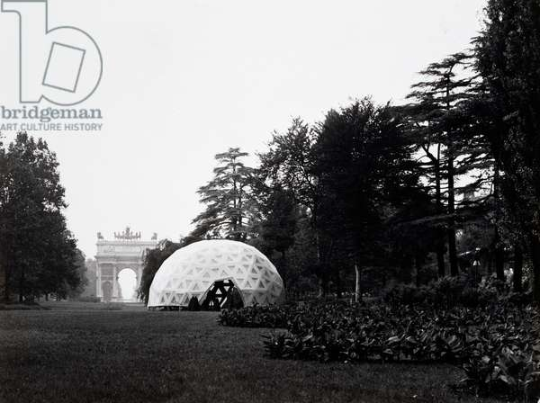 Dwelling with geodesic dome in Milan Triennial park, 1954, (b/w photograph)