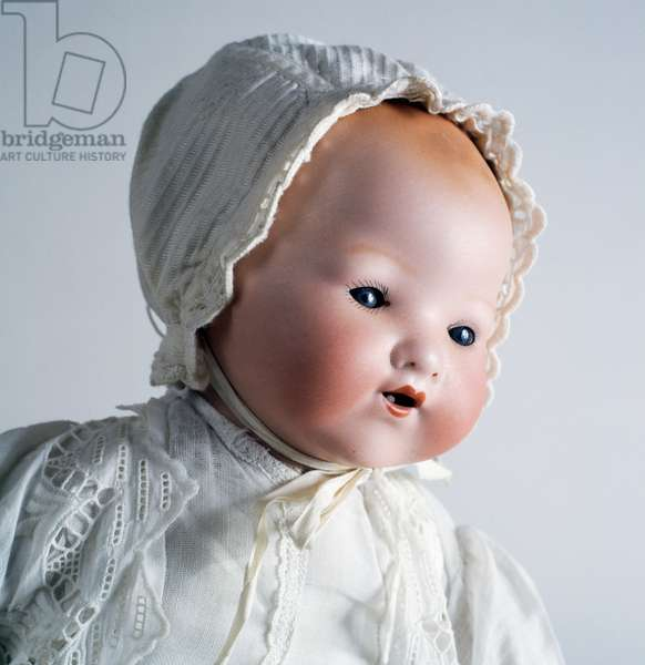 Baby doll  with bonnet, bisque doll made by Armand Marseille, 1926, Germany, 20th century, detail
