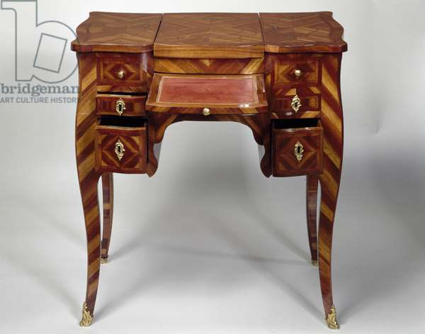 Louis XV style oak dressing table with satinwood veneer finish, triple panel top, stamped M Crieard, desk and drawers open, France, 18th century