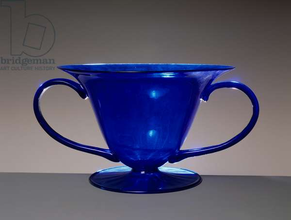 Dragonfly vase, 1921, by Vittorio Zecchin (1878-1947), blue bell-shaped blown glass, ribbed foot, attached handles, produced by Venini. Italy, 20th century.