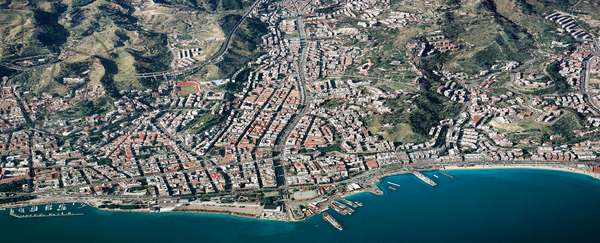 Italy, Sicily Region, Messina, aerial view (photo)