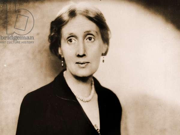 Portrait of Virginia Woolf (photo)