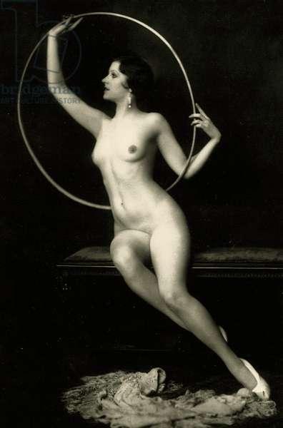 Ziegfeld Follies girl with hula hoop, c.1928 (b/w photo)