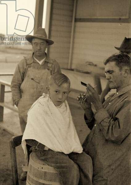 Community barber shop, California 1936 (b/w photo)