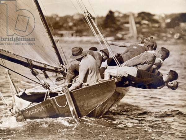 """Crew of the """"Arawatta"""" during the """"Eighteen Footer"""" Race, Sydney Harbour, 9th April 1934 (photo)"""