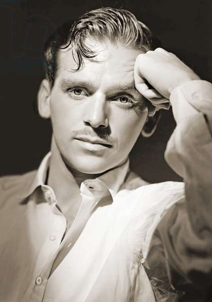 Portrait of Douglas Fairbanks Jr. (1909-2000) (b/w photo)