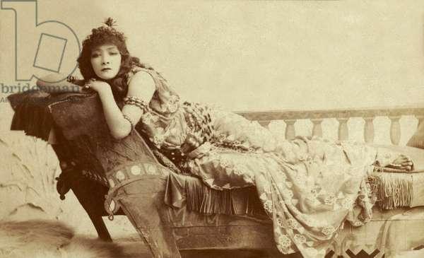 Portrait of Sarah Bernhardt as Cleopatra, 1891 (photo)