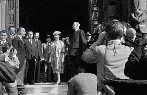 Yvonne de Gaulle (1900-79) and General Charles de Gaulle (1890-1970) on the steps of the town hall, Calais, 1958 (b/w photo)