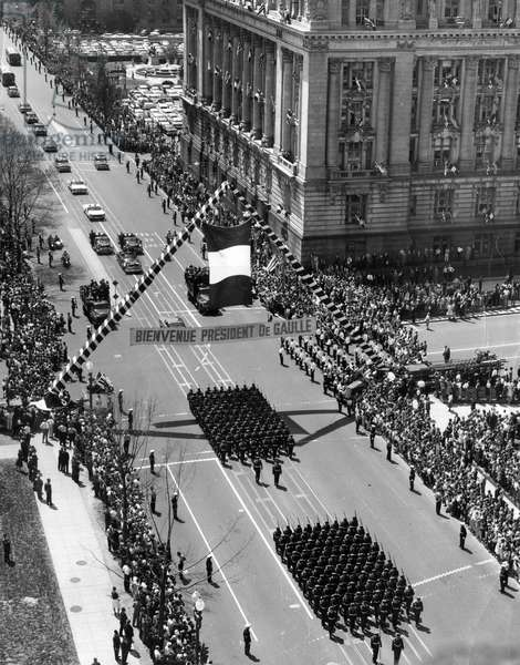 Parade of General de Gaulle and Eisenhower in Washington D.C., 22-26 April 1960 (b/w photo)