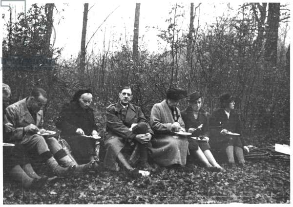 General Charles de Gaulle (1890-1970) hunting at Septfontaines, 1946 (b/w photo)