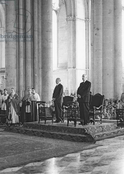 General de Gaulle (1890-1970) and Chancellor Konrad Adenauer (1876-1967) at the Cathedral of Reims, 2nd-8th July 1962 (b/w photo)