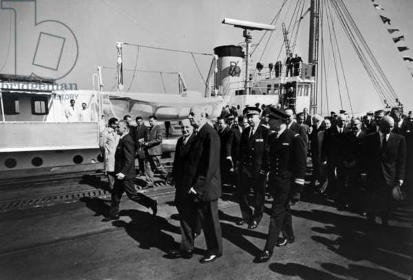 Official visit of General de Gaulle to Dunkirk, 25 April 1966 (b/w photo)