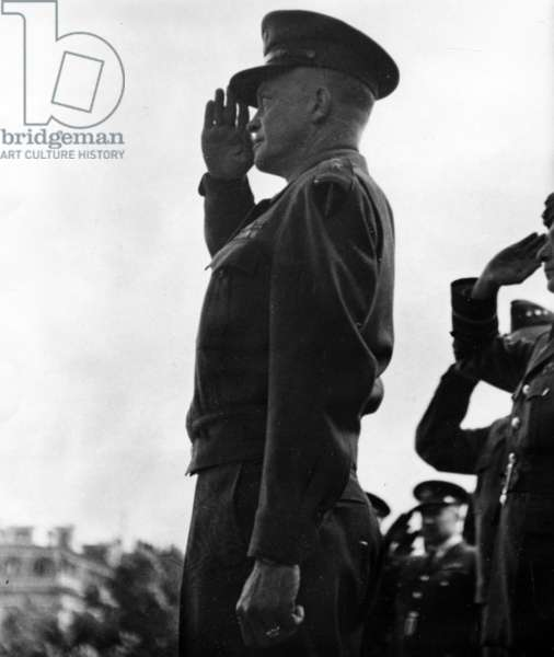 General Eisenhower at the Liberation of Paris, 29 August 1944 (b/w photo)