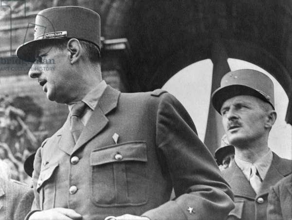 Liberation of Paris, General Charles de Gaulle (1890-1970) and General Jacques Leclerc (1902-47) 25th August 1944 (b/w photo)